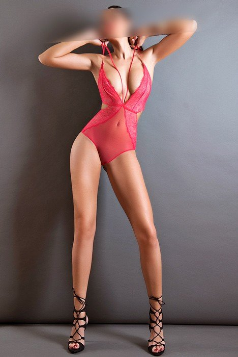 Martina (25), escort in Madrid, Madrid, Spain
