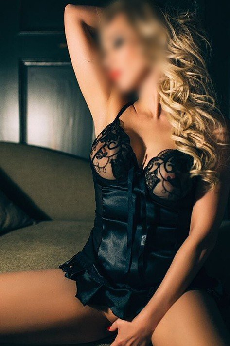 Victoria (21), escort in Prague, Praha, Czech Republic