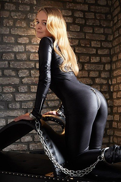 Anna 32 years, dominatrix Escort from Nuremberg, Germany