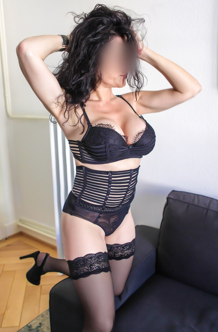 Federica (44), escort in Geneva, Genève, Switzerland