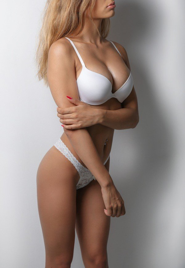 Elvira (19), escort in Geneva, Genève, Switzerland