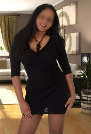 Carly (30), escorte à Montreal, Quebec, Canada