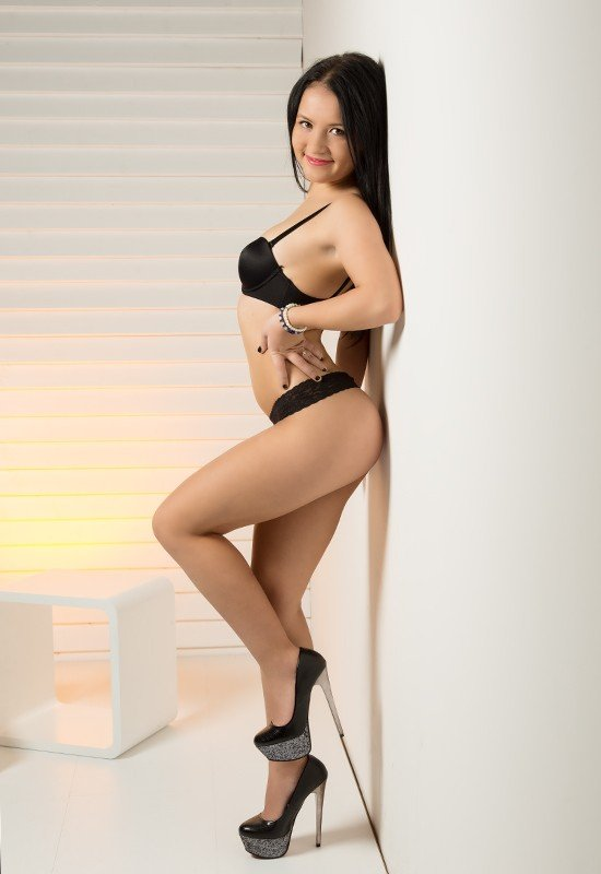 Laura (20), escort in Lucerne, Luzern, Switzerland