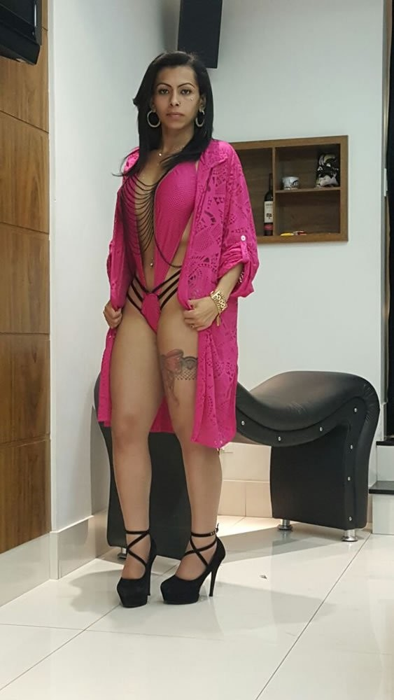 Isabelly Ferreira 26 years, shemale Escort from São Paulo, Brazil