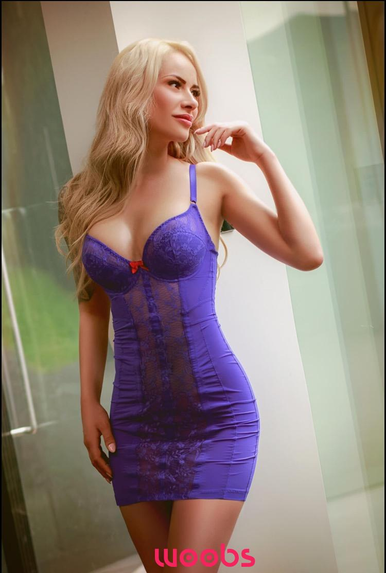 Emanuela 26 years, female Escort from London, Greater London, United Kingdom
