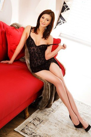 Carmen 24 years, female Escort from London, Greater London, United Kingdom